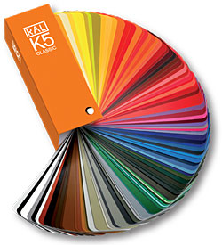 Nuances des couleurs de la peinture dans la d coration des - Nuance de couleur peinture ...