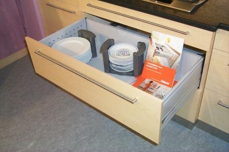 prestigemaison.com/wp-content/uploads/2011/07/rangement-de-cuisine