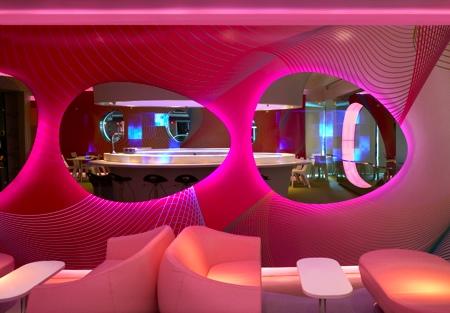 Design int rieur pour perforer la d coration de maison - Bar d interieur design ...