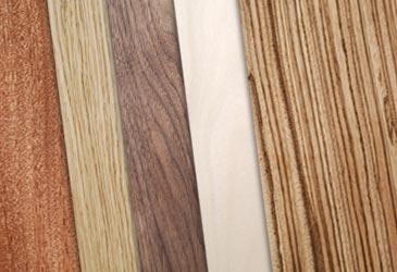 Technique de placage et vernis au tampon du bois naturel - Placage bois autocollant ...