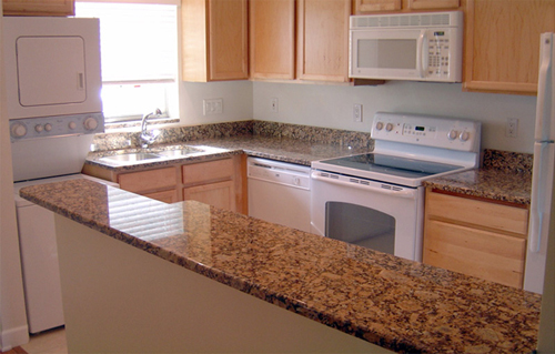 cuisine avec comptoir comptoir de granit et quartz comptoirs de cuisine en granit avec. Black Bedroom Furniture Sets. Home Design Ideas